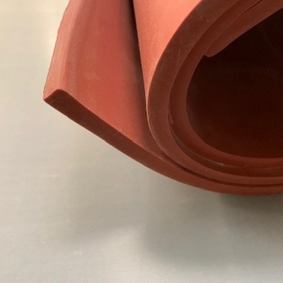 M² SILICONE SHEET RED IRON OXIDE 60ºSH (±5) WIDE 1000MM X 3MM (±0,4MM) WITHOUT TALK