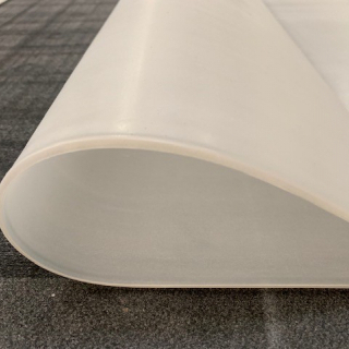 M² SILICONE SHEET TRANSLUCENT 60ºSH (±5) WIDE 1000MM X 1,5 MM (±0,2MM) WITHOUR TALK